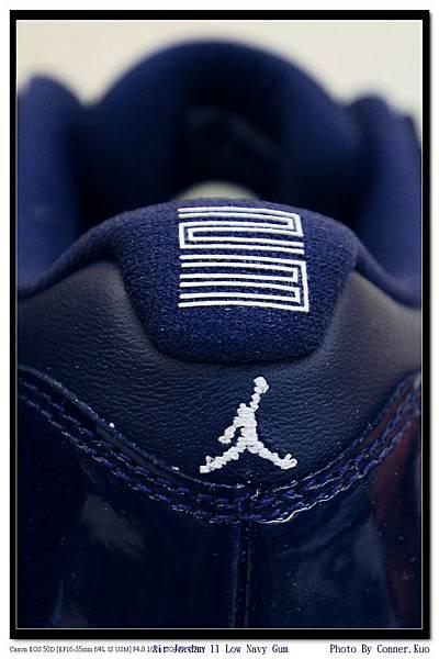 Air Jordan 11 Low Navy Gum