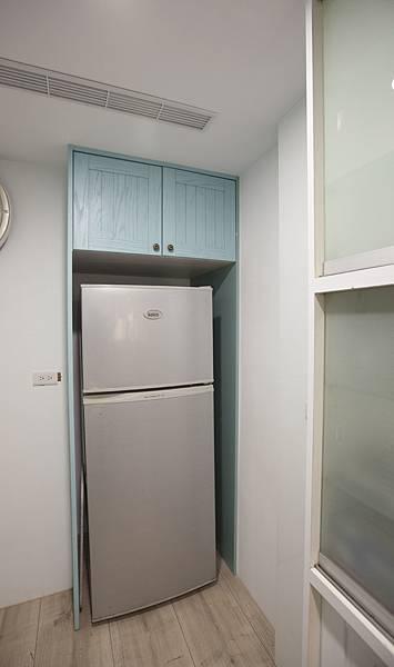 冰箱櫃小.jpg