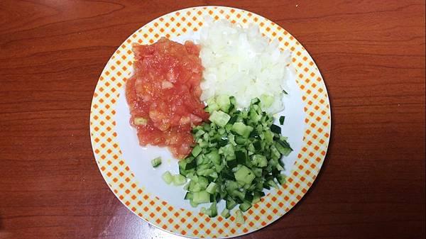 番茄 洋蔥 小黃瓜.jpg