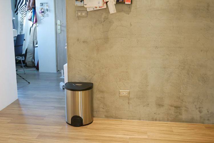 +O家窩希利腳觸感應不鏽鋼垃圾桶10.jpg