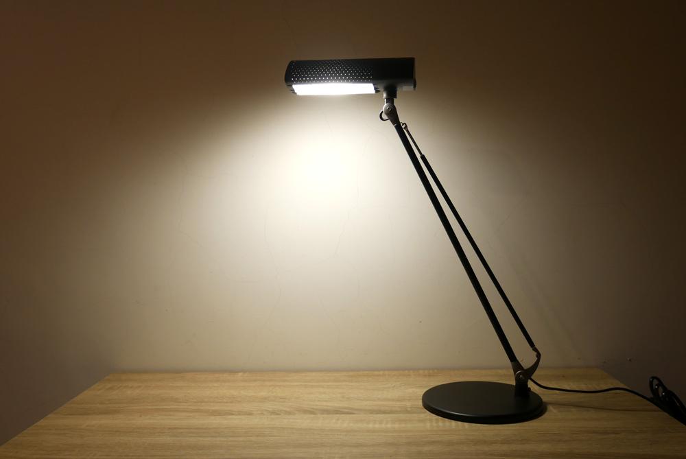 喜萬年LED小小冰極光護眼檯燈11.jpg