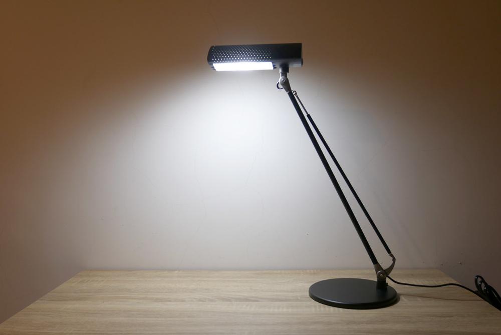 喜萬年LED小小冰極光護眼檯燈10.jpg