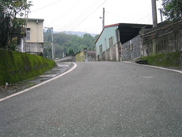 重光社區-陡峭街景(由下往上拍)