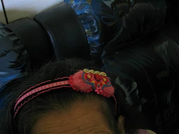 髮圈實在太可愛-忍不住特寫一張