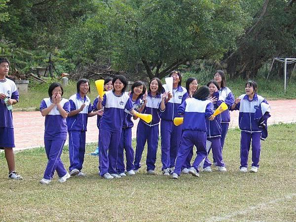 班級足壘賽--熱情有力的啦啦隊