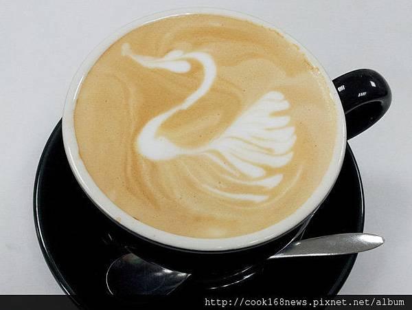 04咖啡拉花--天鵝.jpg