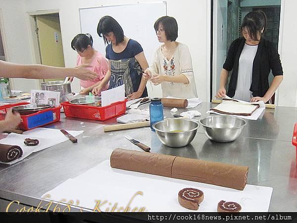 蛋糕丙級上課情形 03.JPG