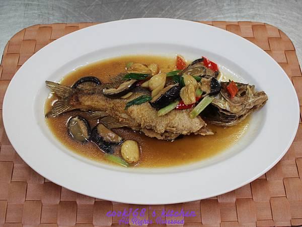 201E37蒜子燒黃魚.jpg