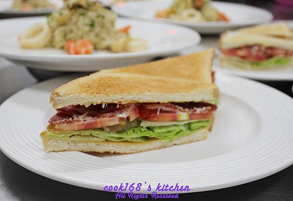 303D3培根萵苣蕃茄三明治Bacon, lettuce and tomato sandwich.JPG