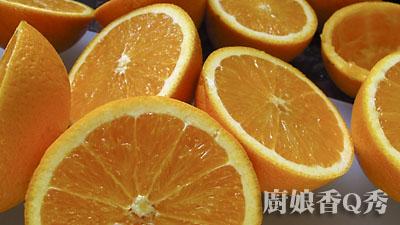 將柳橙對切.jpg
