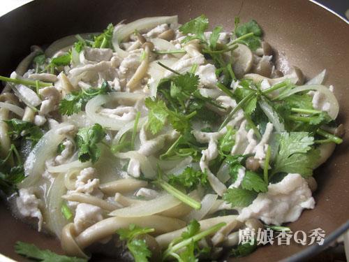 雞絲野菇蓋飯_5