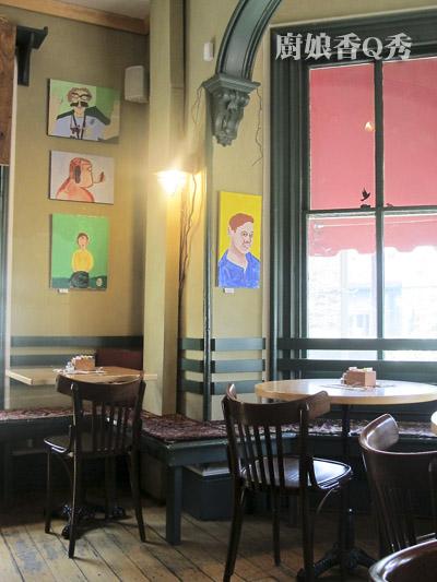 咖啡店內部