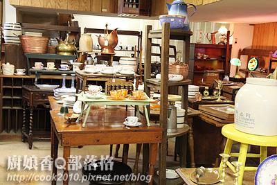 這是一家名叫小偷市場的骨董店.jpg