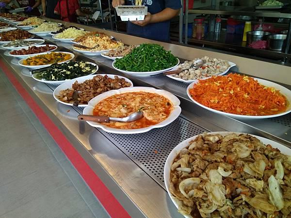 東豐自助餐菜色2.jpg