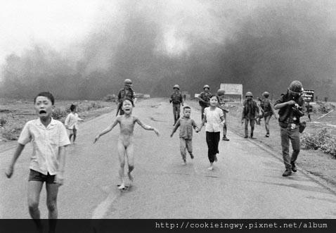 ap_nick_ut_pulitzer_prize_image_1972_vietnam_thg_120606_wblog