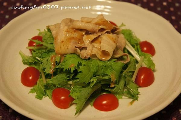 涮肉片水菜沙拉佐芝麻醬.jpg