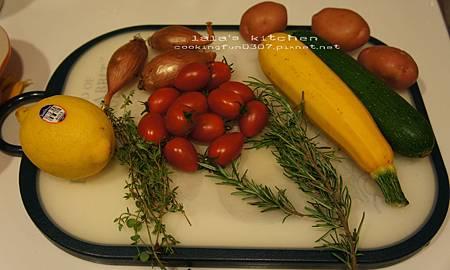 義式香料蔬菜烤魚7982.jpg