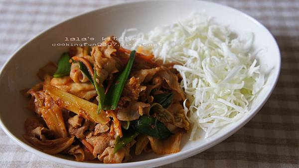 泡菜炒豬肉8280.jpg