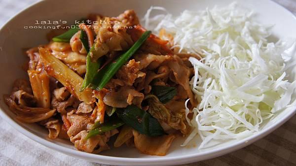 泡菜炒豬肉8278.jpg