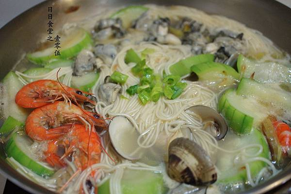 lala絲瓜海鮮麵 no105 IMG_2375