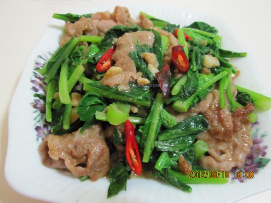 牛肉炒芥蘭