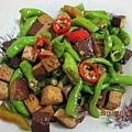 綠辣椒炒黑豆乾