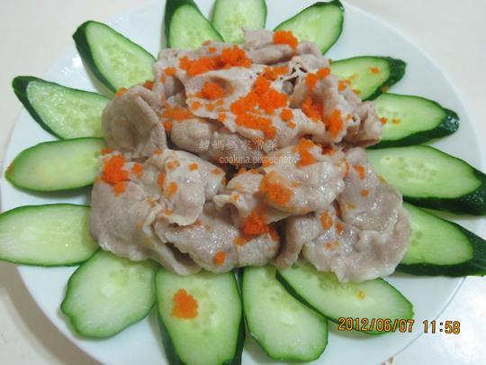 飛魚卵小黃瓜肉片
