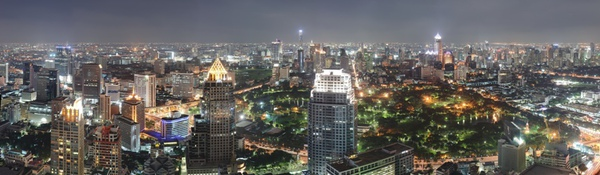 Bangkok_Night_Wikimedia_Commons-1.jpg