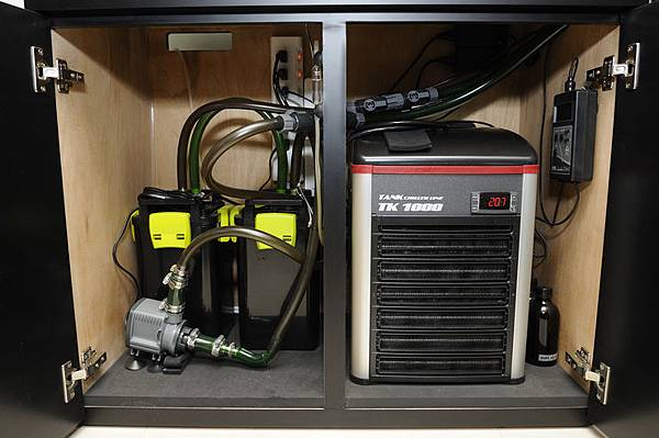 2019-03-16 TECO冷卻機TK1000 - 置於底櫃空間參考