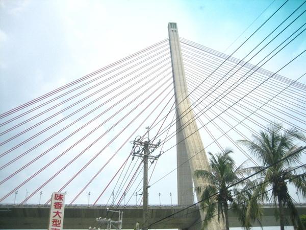 阿明拍的斜張橋