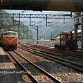 侯硐車站要進站的火車