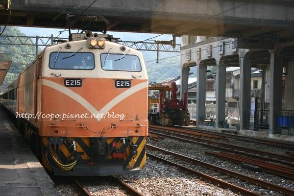台灣的火車也是很美的