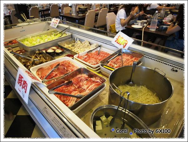 食べ放題~~~食材種類不多,蔬菜菇類肉類