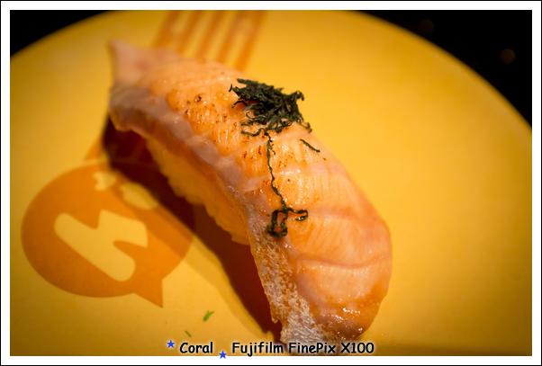 碳燒鮭魚握壽司~~~這個不錯吃