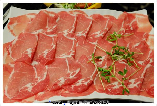 忘記這是啥豬肉了...也很好吃喔!!
