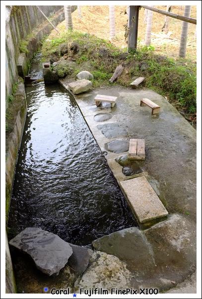 洗衣服的河水