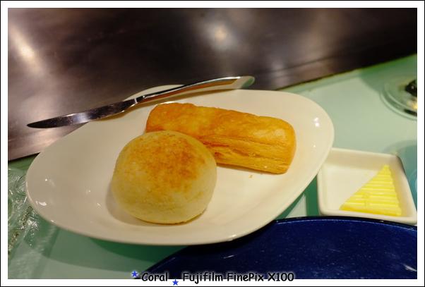 帕瑪森起司麵包和橙香可頌