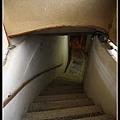 隧道上來的階梯