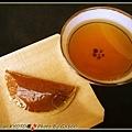 銅鑼燒和熱茶...味道還不錯