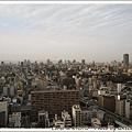 遠遠遠那頭還看得到大阪城