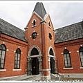 裡頭免費參觀...非常安靜的文學館