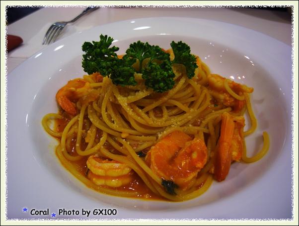 辣味鮮蝦義大利麵...不錯吃蝦子很有彈性