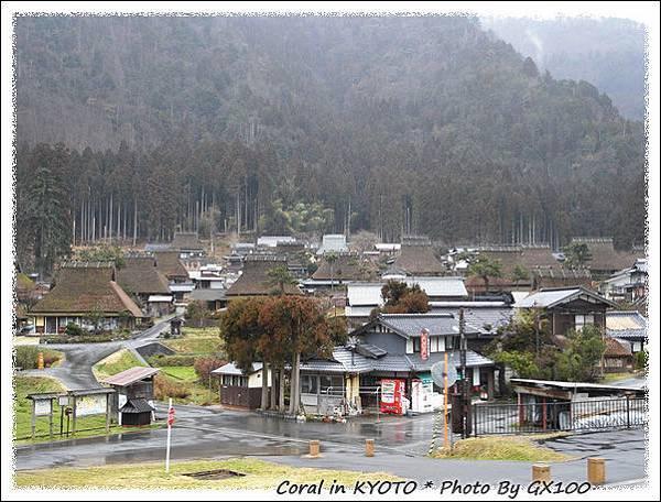 不同於白川鄉合掌村的建築