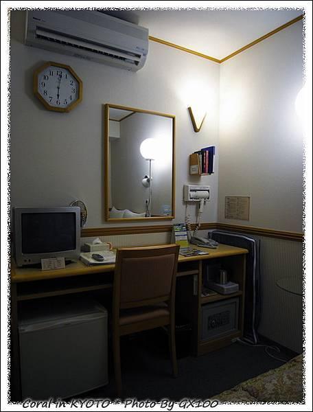日本的商務旅館麻雀雖小五臟俱全