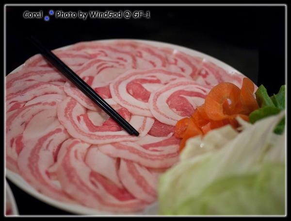 肥油超多的健康豬肉...一點都沒有健康的感覺XD