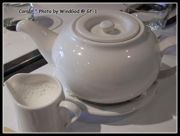 這個壺好...茶倒出來不會滴漏得亂七八糟