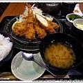白米飯好吃,高麗菜絲鮮甜,豬排嫩~~~美味!!