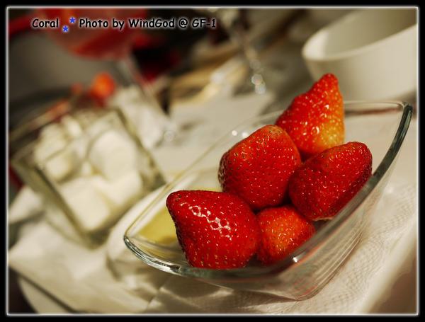 鮮嫩大草莓來囉!!