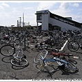 果然是靠海的城市...海風吹倒整片腳踏車
