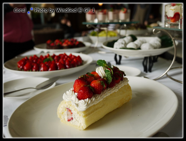 草莓瑞士這個好吃...甜而不膩